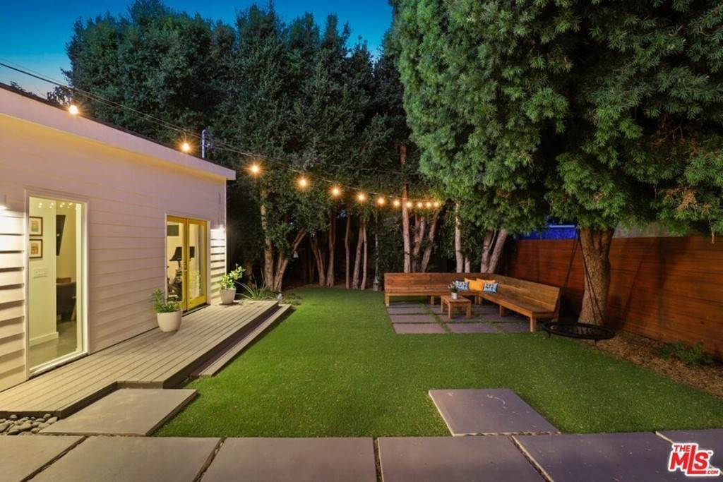 15. Residential for Sale at Tuller Avenue Los Angeles, California 90034 United States