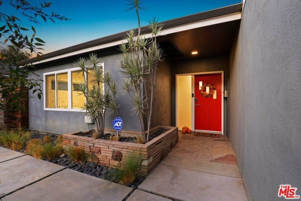 3. Residential for Sale at Tuller Avenue Los Angeles, California 90034 United States