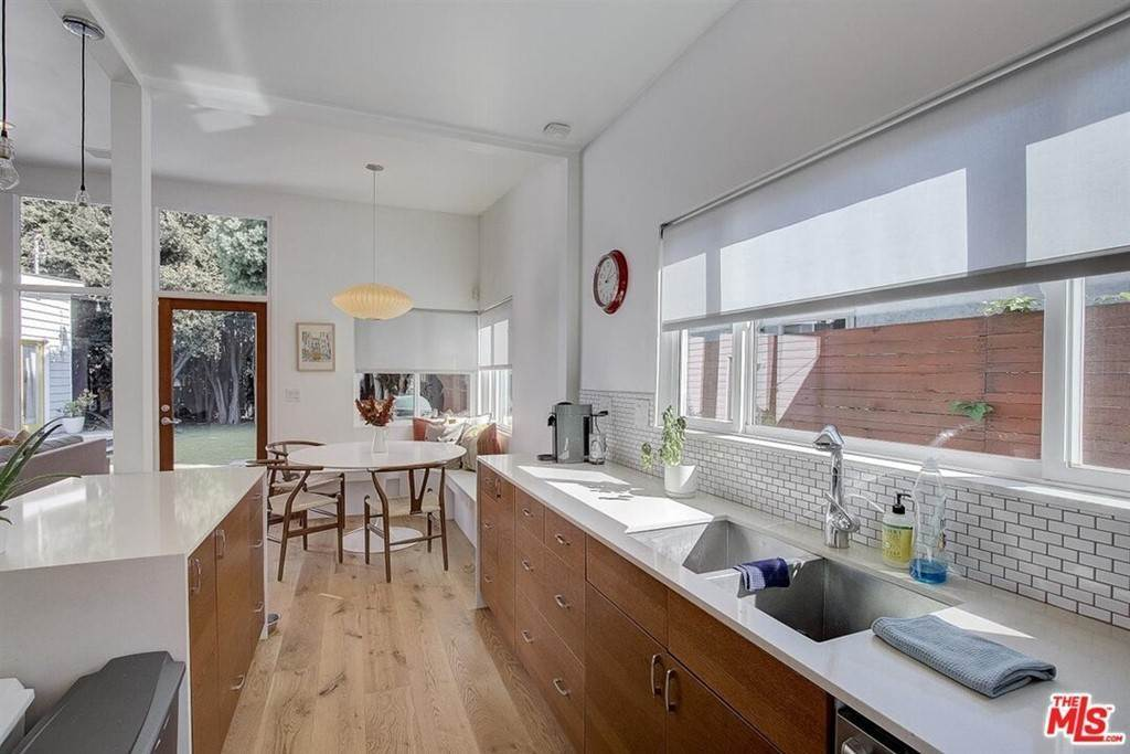 6. Residential for Sale at Tuller Avenue Los Angeles, California 90034 United States