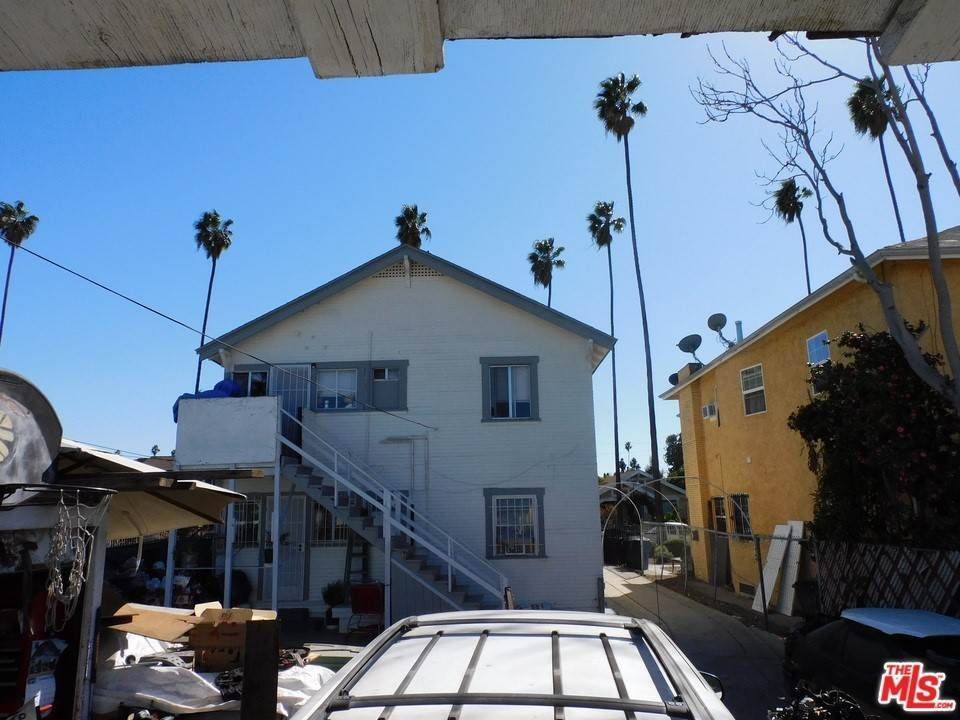 26. Residential Income for Sale at W 46Th Street Los Angeles, California 90037 United States
