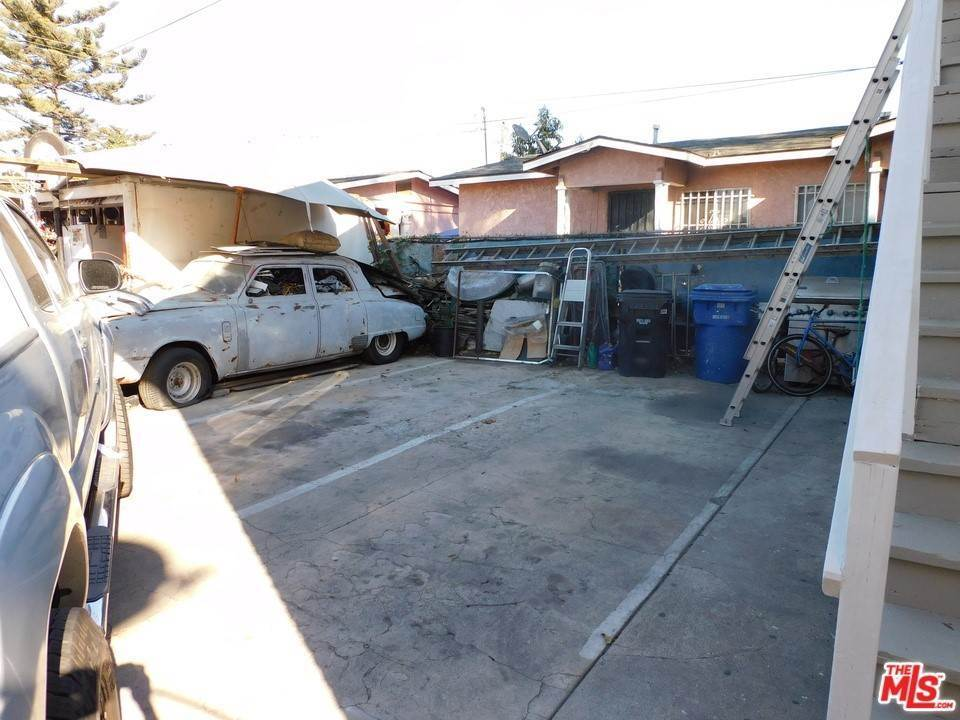 4. Residential Income for Sale at W 46Th Street Los Angeles, California 90037 United States