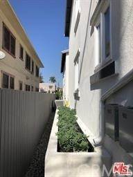 2. Residential Lease at S RAYMOND Avenue Los Angeles, California 90037 United States