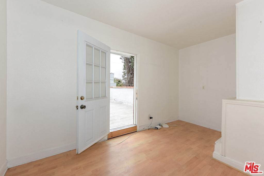 29. Residential Income for Sale at Venice Boulevard Los Angeles, California 90034 United States