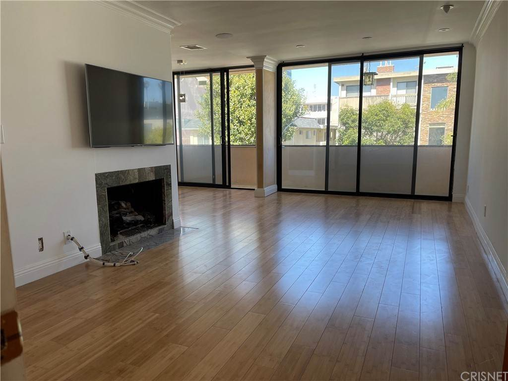 4. Residential Lease at Wellesley Avenue Los Angeles, California 90025 United States