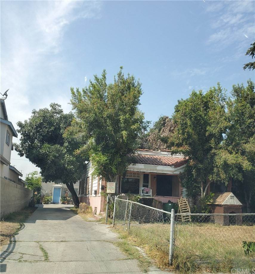Residential Income for Sale at Prospect Avenue Maywood, California 90270 United States