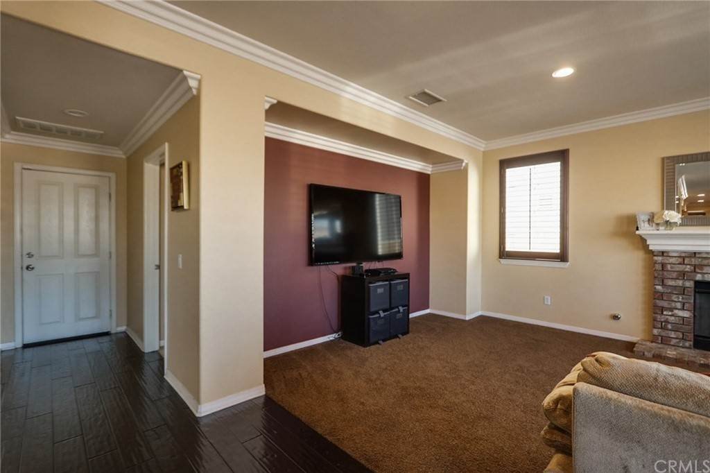 17. Residential for Sale at Pintail Loop Eastvale, California 92880 United States