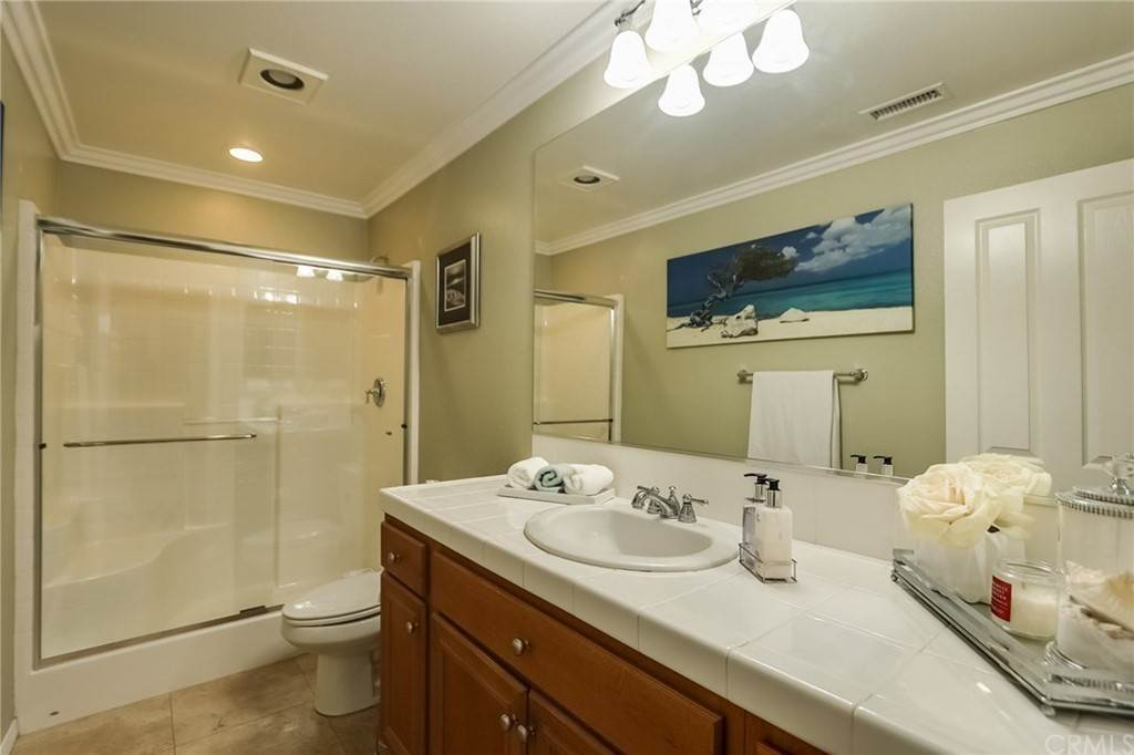 20. Residential for Sale at Pintail Loop Eastvale, California 92880 United States