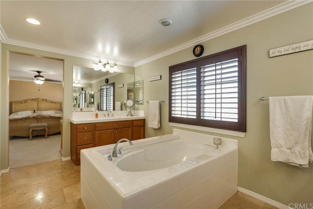 24. Residential for Sale at Pintail Loop Eastvale, California 92880 United States