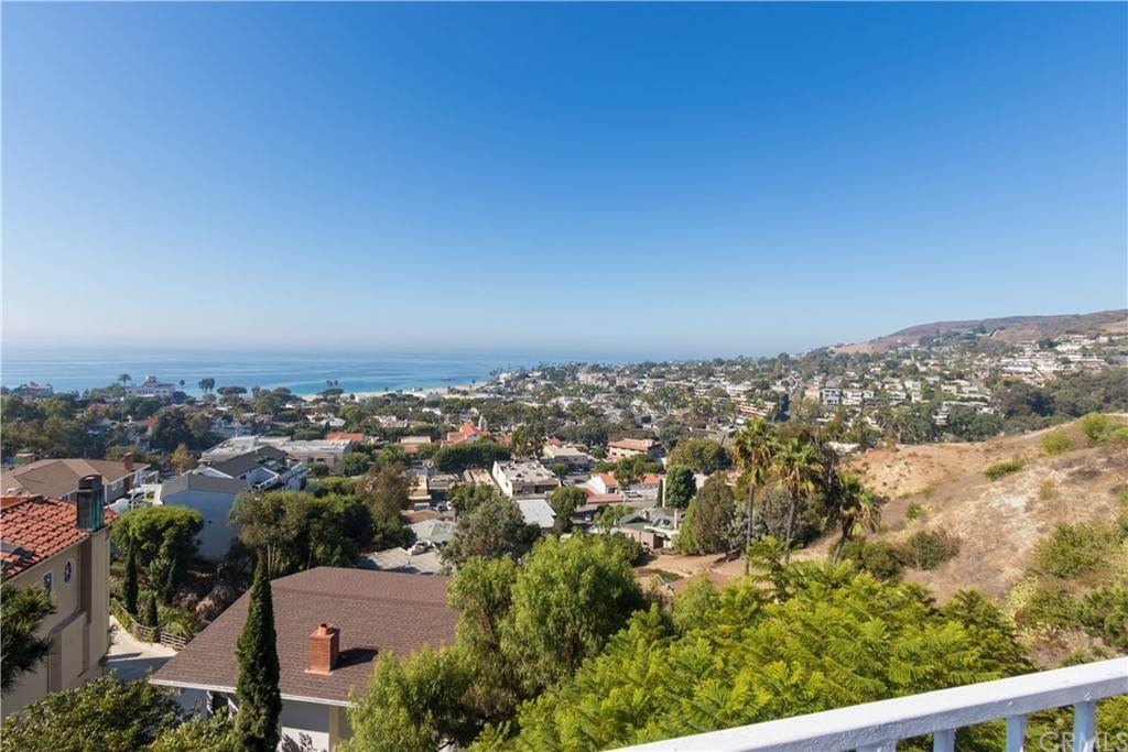 3. Residential for Sale at Hilledge Drive Laguna Beach, California 92651 United States