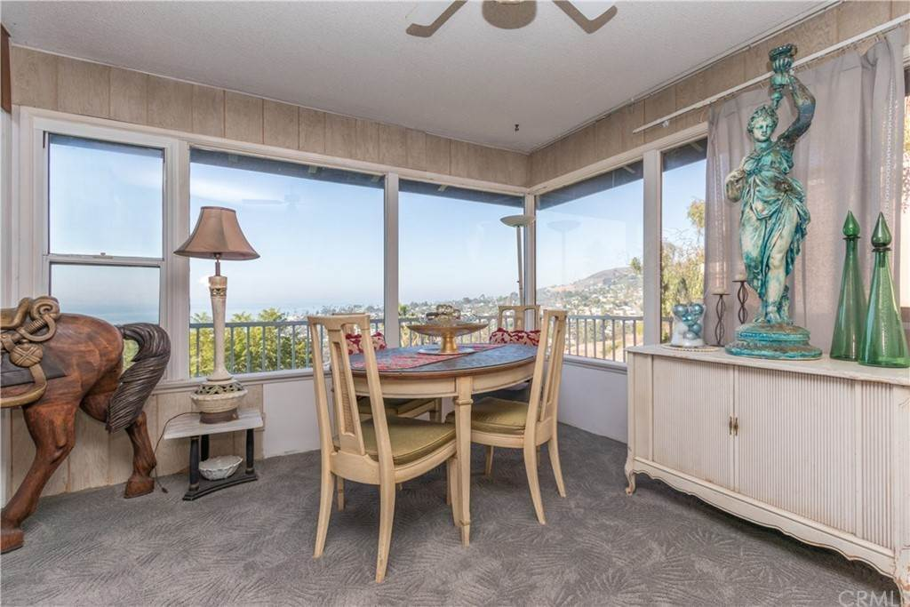 9. Residential for Sale at Hilledge Drive Laguna Beach, California 92651 United States