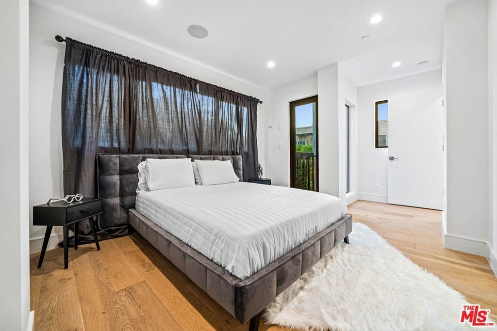 22. Residential Lease at 1/4 N Martel Avenue Los Angeles, California 90046 United States