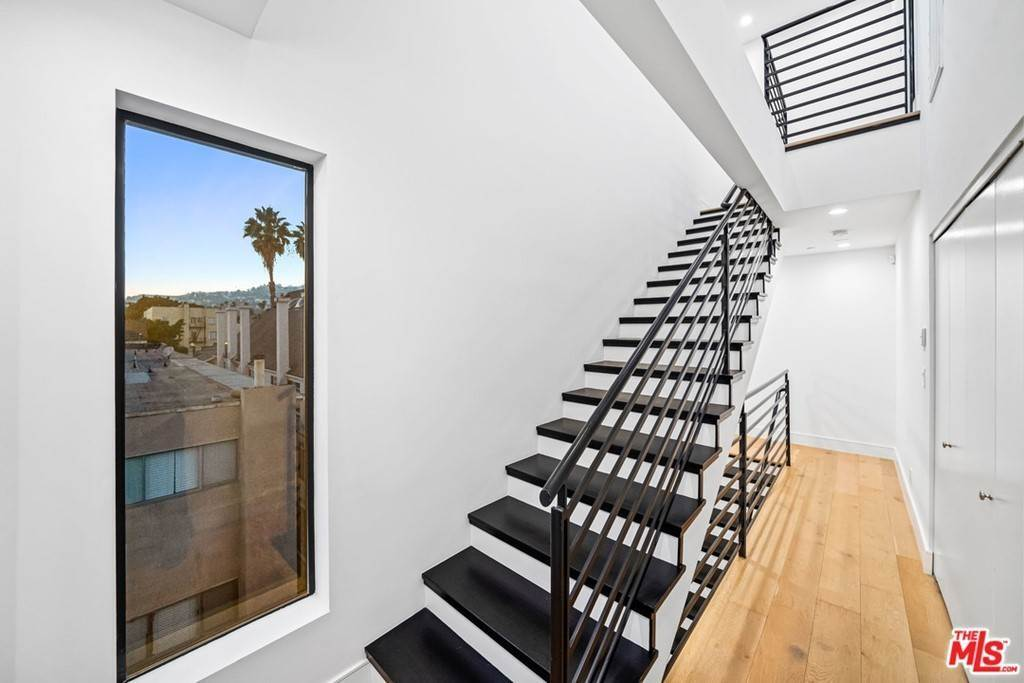 34. Residential Lease at 1/4 N Martel Avenue Los Angeles, California 90046 United States