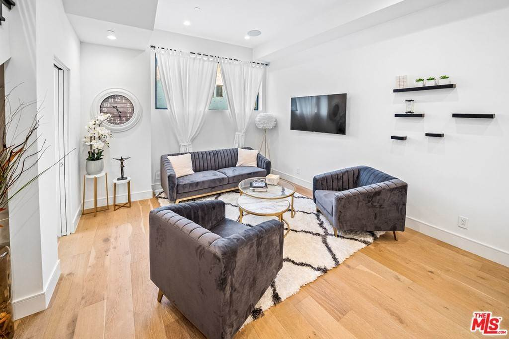 5. Residential Lease at 1/4 N Martel Avenue Los Angeles, California 90046 United States