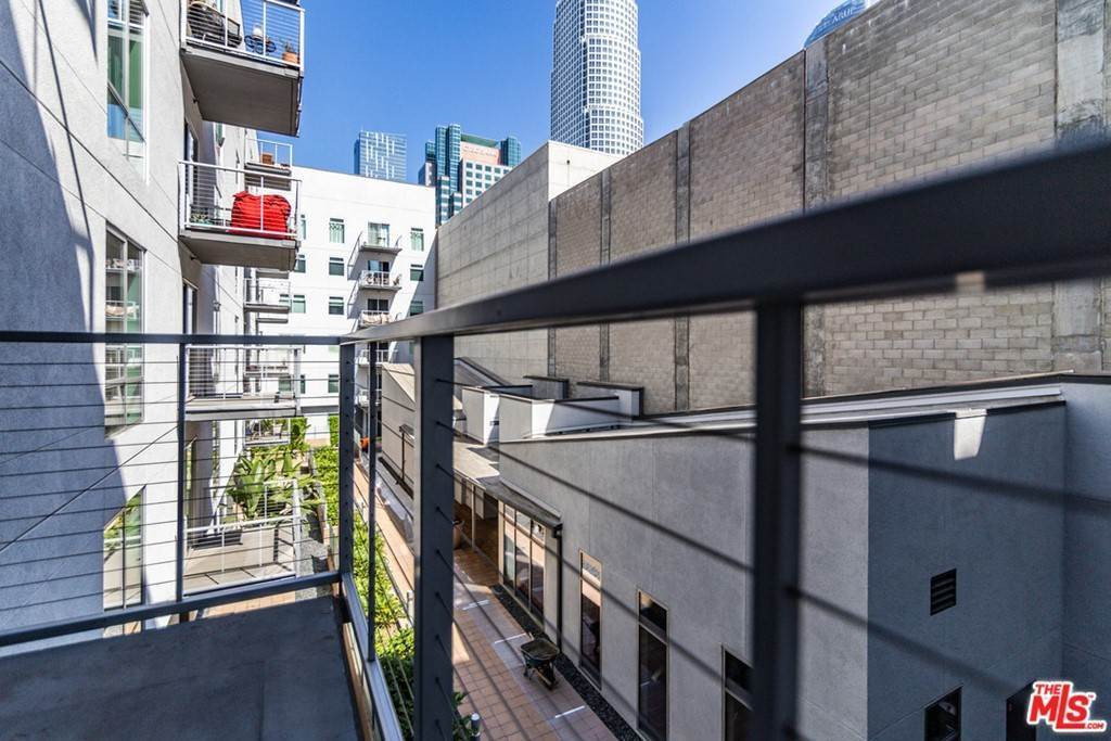35. Residential Lease at W 9Th Street Los Angeles, California 90015 United States