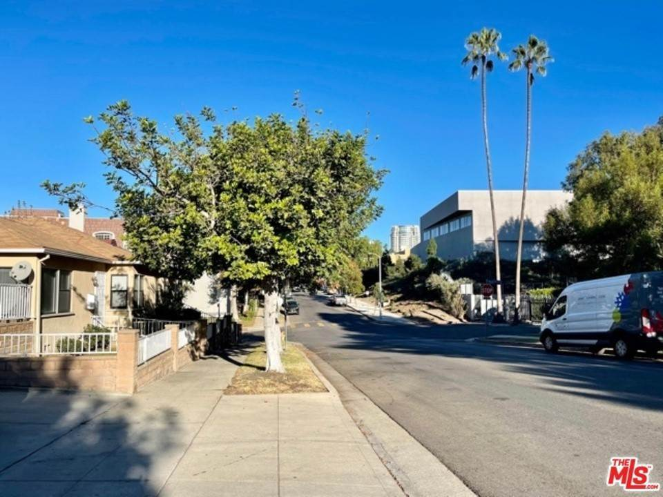 Residential Lease at N Selby Avenue Los Angeles, California 90024 United States