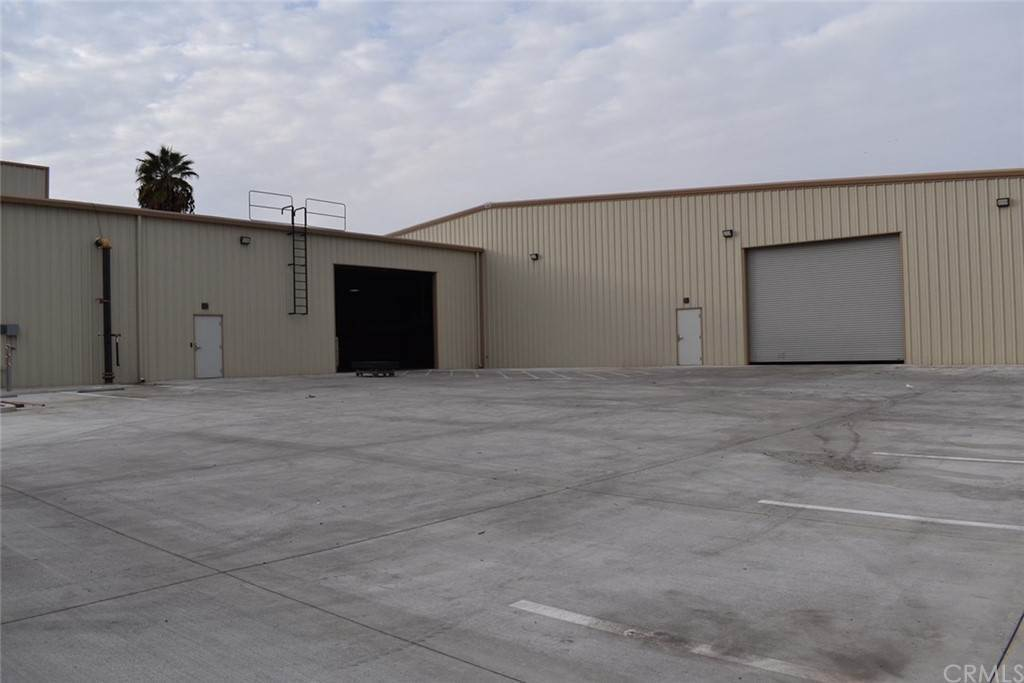 Commercial for Sale at E Olive Avenue Fresno, California 93727 United States