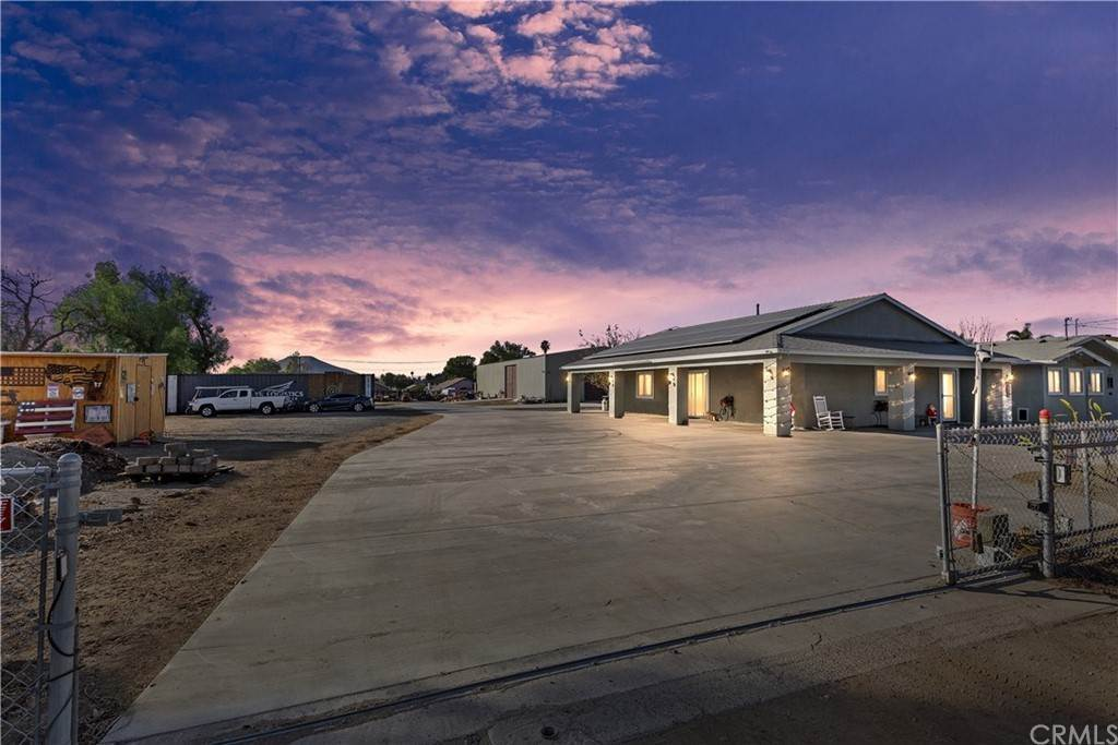 Residencial por un Venta en Center Avenue Norco, California 92860 Estados Unidos