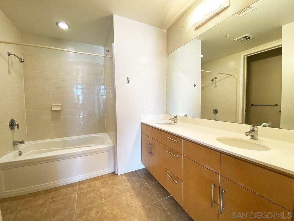 12. Residential Lease at 10Th Street San Diego, California 92101 United States