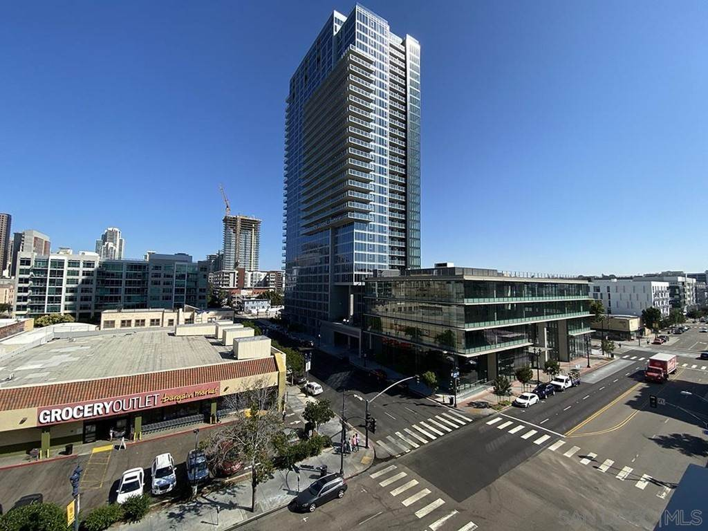 14. Residential Lease at 10Th Street San Diego, California 92101 United States