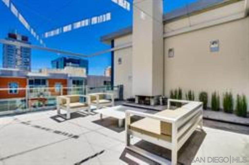 16. Residential Lease at 10Th Street San Diego, California 92101 United States
