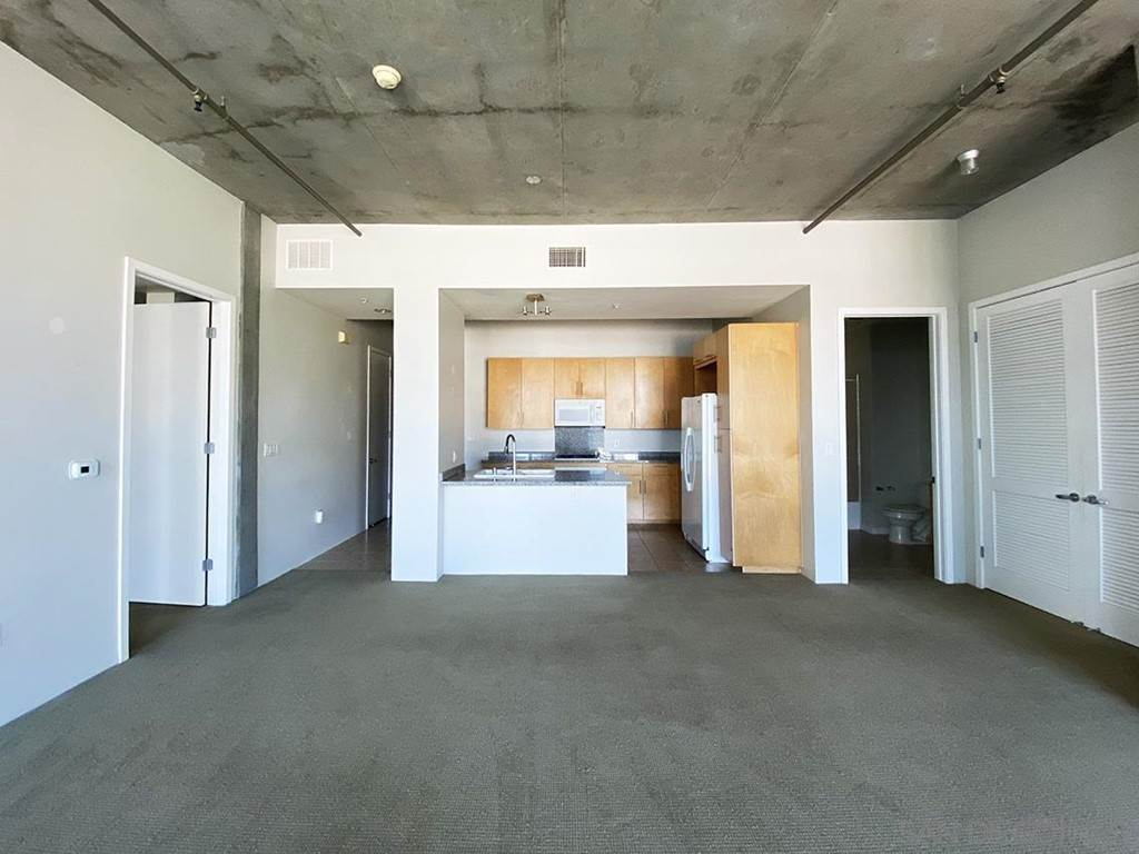 4. Residential Lease at 10Th Street San Diego, California 92101 United States