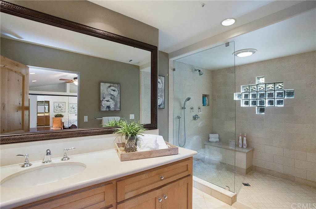 14. Residential for Sale at Pine Street Huntington Beach, California 92648 United States