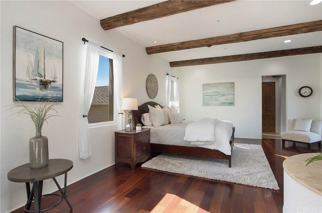 34. Residential for Sale at Pine Street Huntington Beach, California 92648 United States