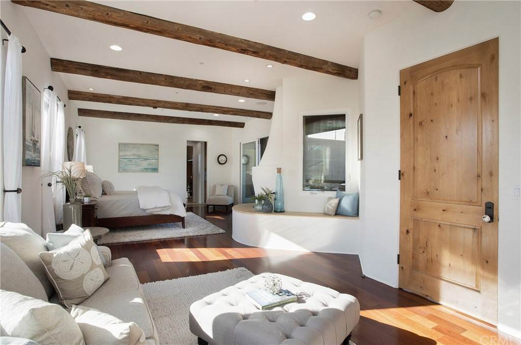 35. Residential for Sale at Pine Street Huntington Beach, California 92648 United States
