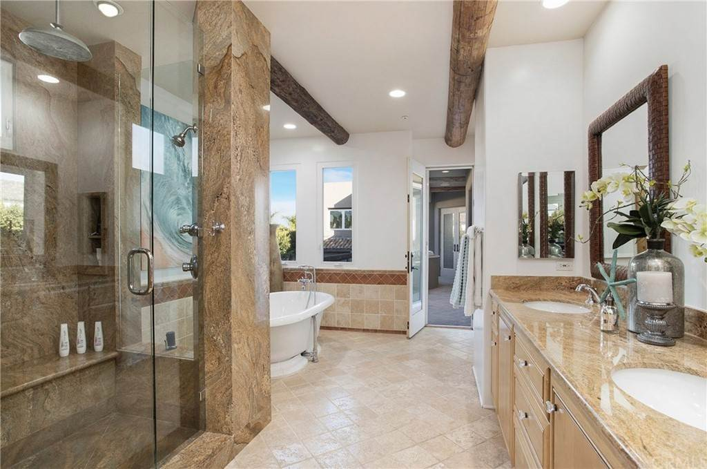 39. Residential for Sale at Pine Street Huntington Beach, California 92648 United States