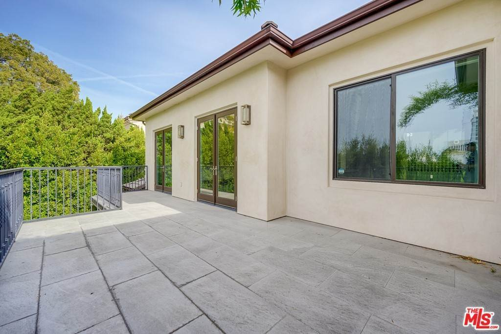 32. Residential Lease for Sale at Malcolm Avenue Los Angeles, California 90024 United States