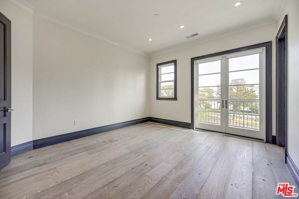 33. Residential Lease for Sale at Malcolm Avenue Los Angeles, California 90024 United States