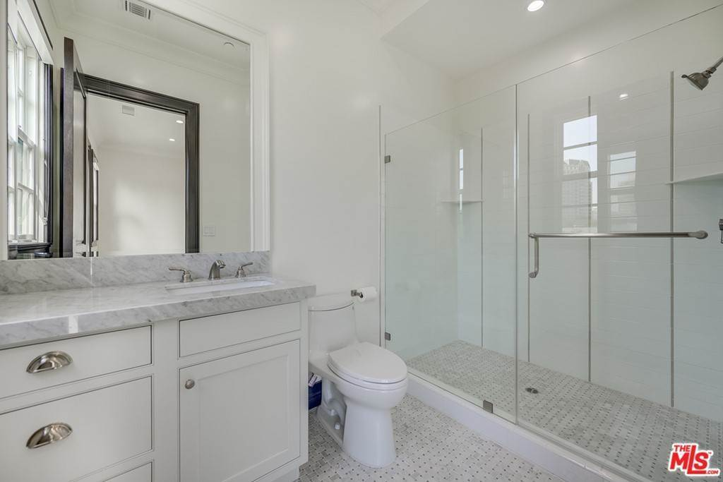 34. Residential Lease for Sale at Malcolm Avenue Los Angeles, California 90024 United States