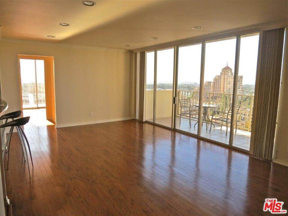 6. Residential Lease at CENTURY PARK EAST Los Angeles, California 90067 United States