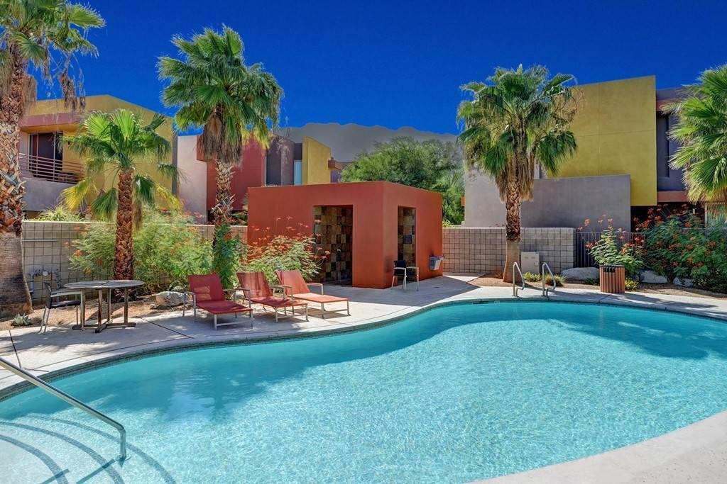 14. Residential for Sale at Quiet Side Street Palm Springs, California 92262 United States