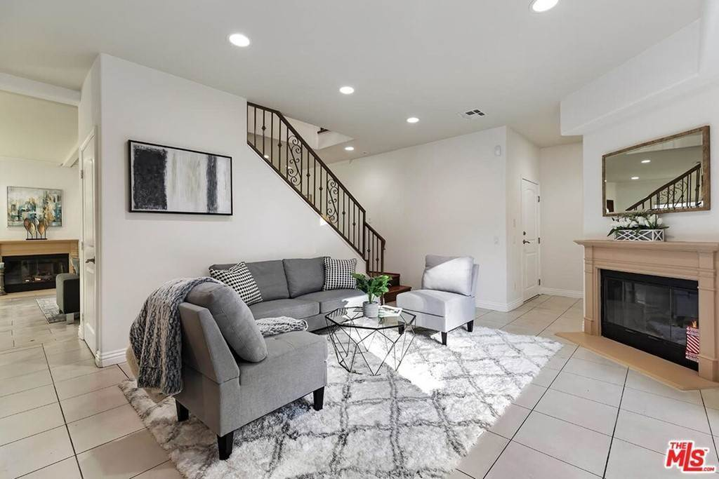 10. Residential for Sale at S La Cienega Boulevard S La Cienega Boulevard Los Angeles, California 90016 United States