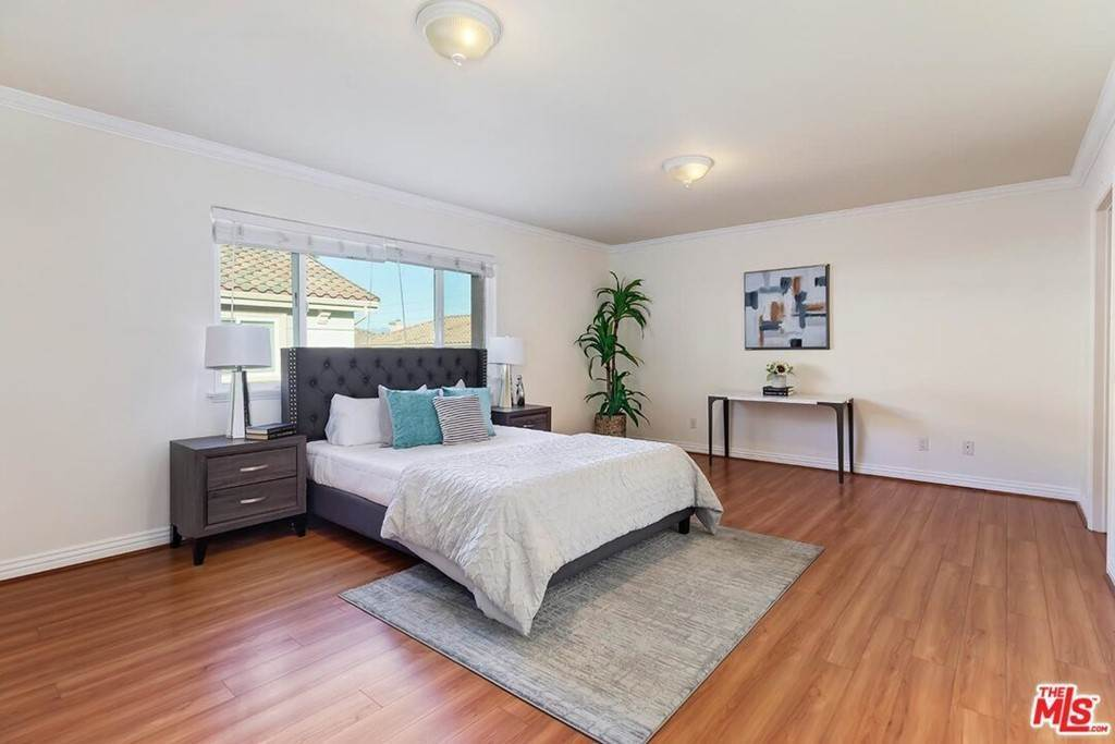 16. Residential for Sale at S La Cienega Boulevard S La Cienega Boulevard Los Angeles, California 90016 United States