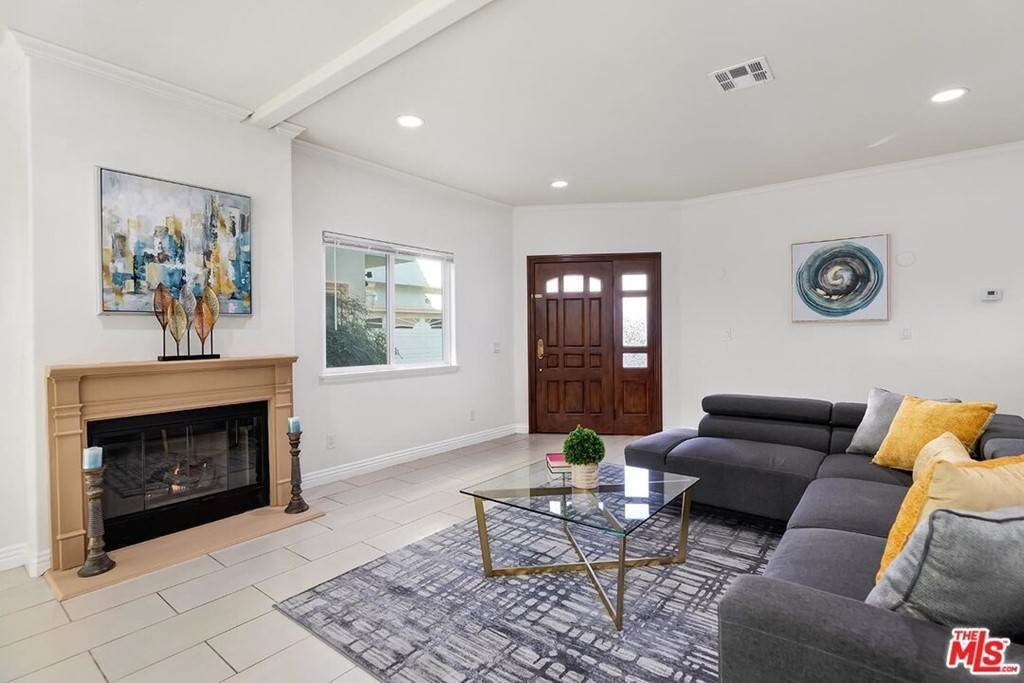 4. Residential for Sale at S La Cienega Boulevard S La Cienega Boulevard Los Angeles, California 90016 United States