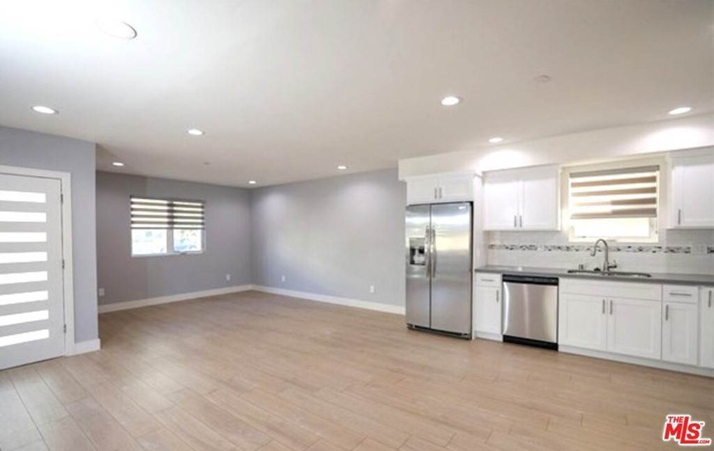 10. Residential Income for Sale at N Union Avenue Los Angeles, California 90026 United States