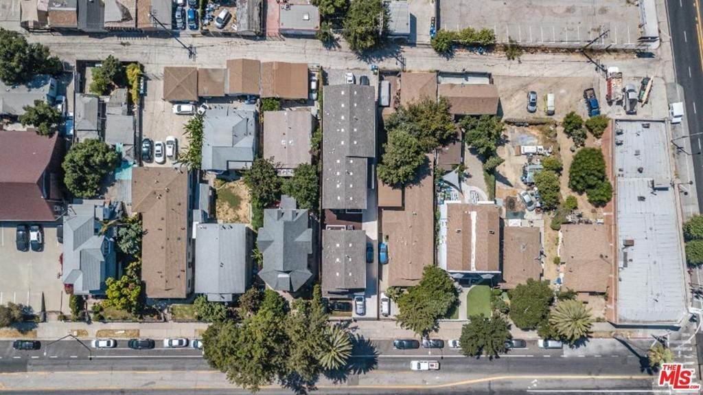16. Residential Income for Sale at N Union Avenue Los Angeles, California 90026 United States