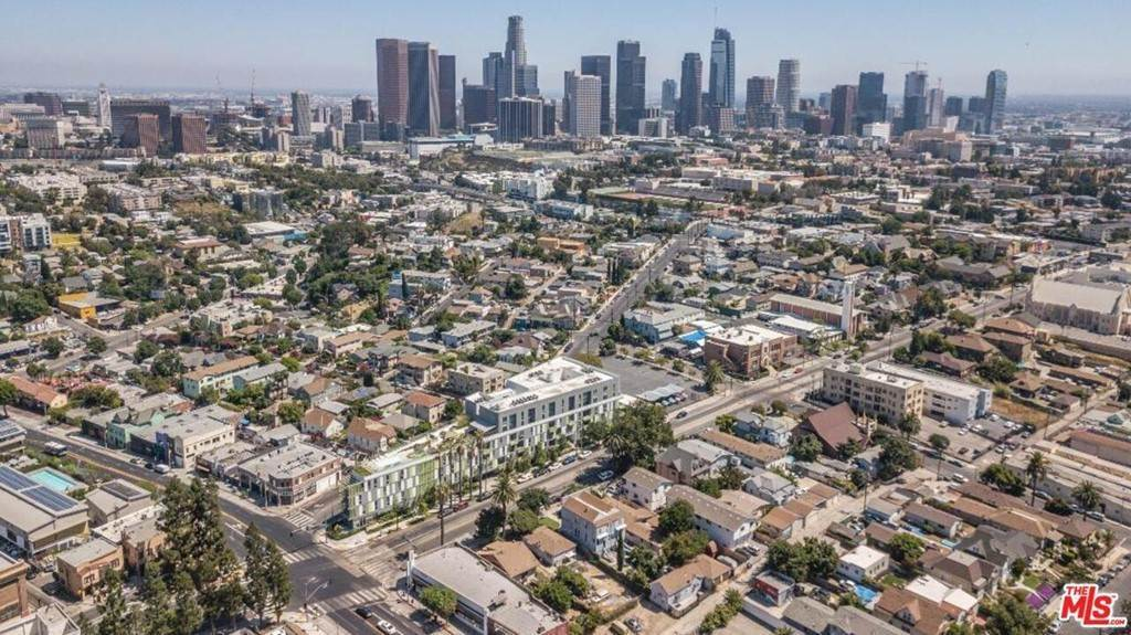 18. Residential Income for Sale at N Union Avenue Los Angeles, California 90026 United States