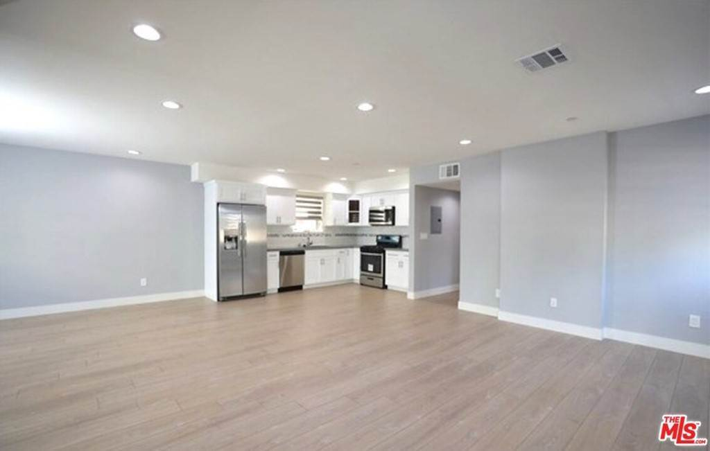 8. Residential Income for Sale at N Union Avenue Los Angeles, California 90026 United States
