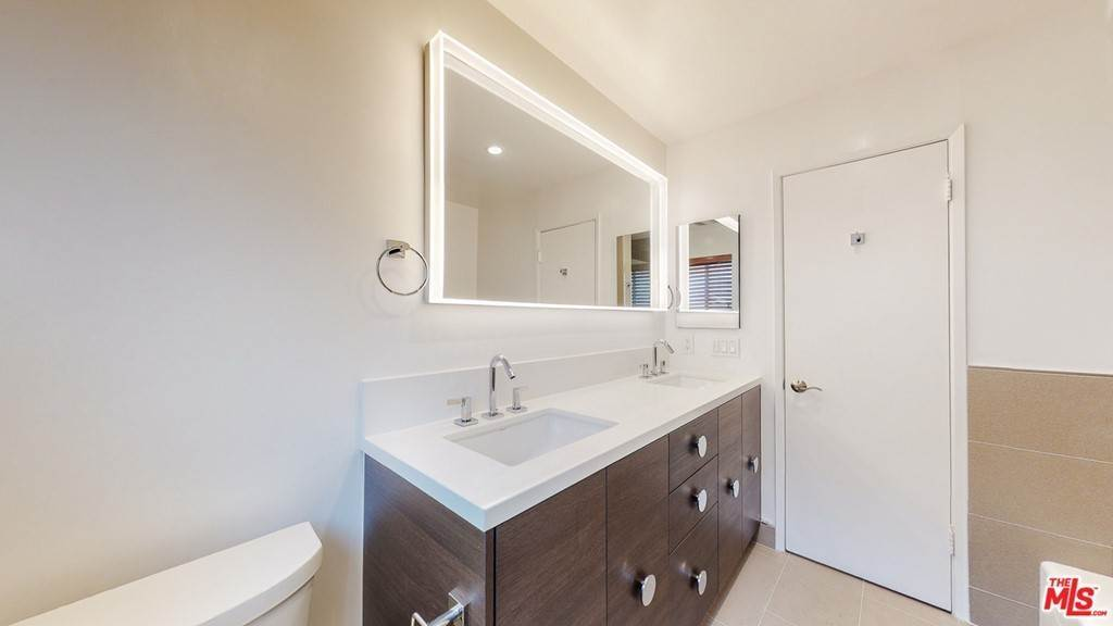 23. Residential for Sale at 14Th Street Santa Monica, California 90404 United States