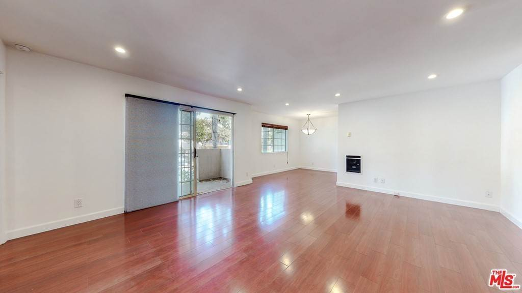 7. Residential for Sale at 14Th Street Santa Monica, California 90404 United States
