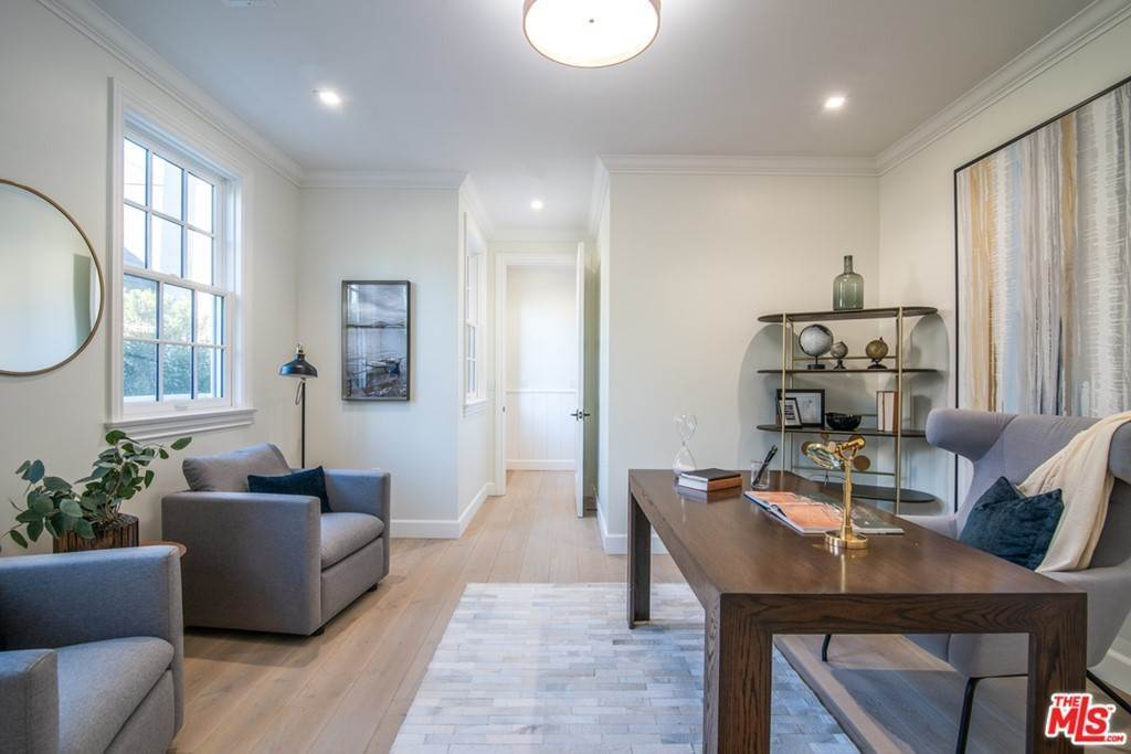 11. Residential for Sale at 25th Street Santa Monica, California 90402 United States