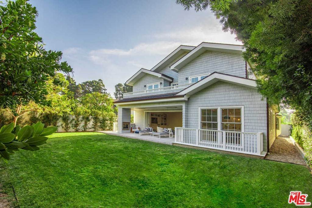2. Residential for Sale at 25th Street Santa Monica, California 90402 United States