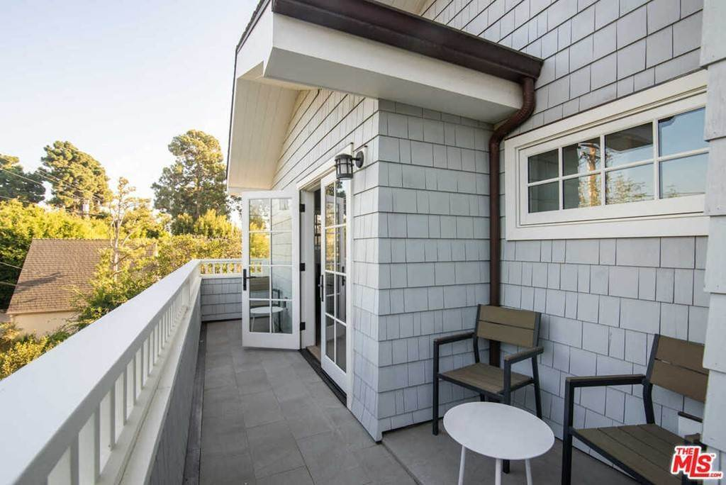 20. Residential for Sale at 25th Street Santa Monica, California 90402 United States