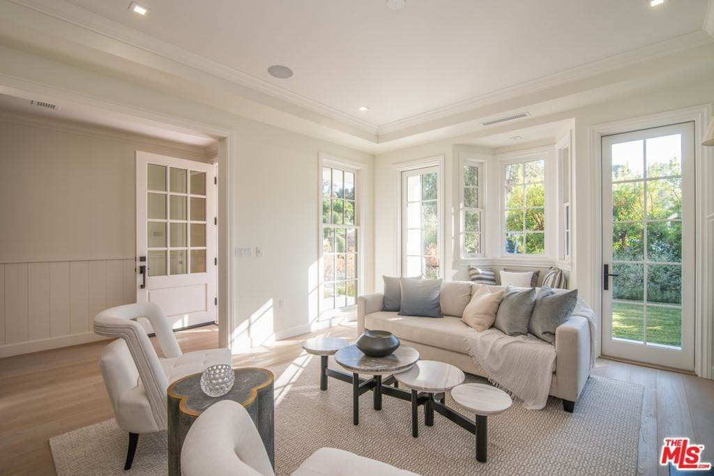 4. Residential for Sale at 25th Street Santa Monica, California 90402 United States