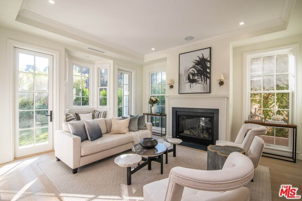 5. Residential for Sale at 25th Street Santa Monica, California 90402 United States