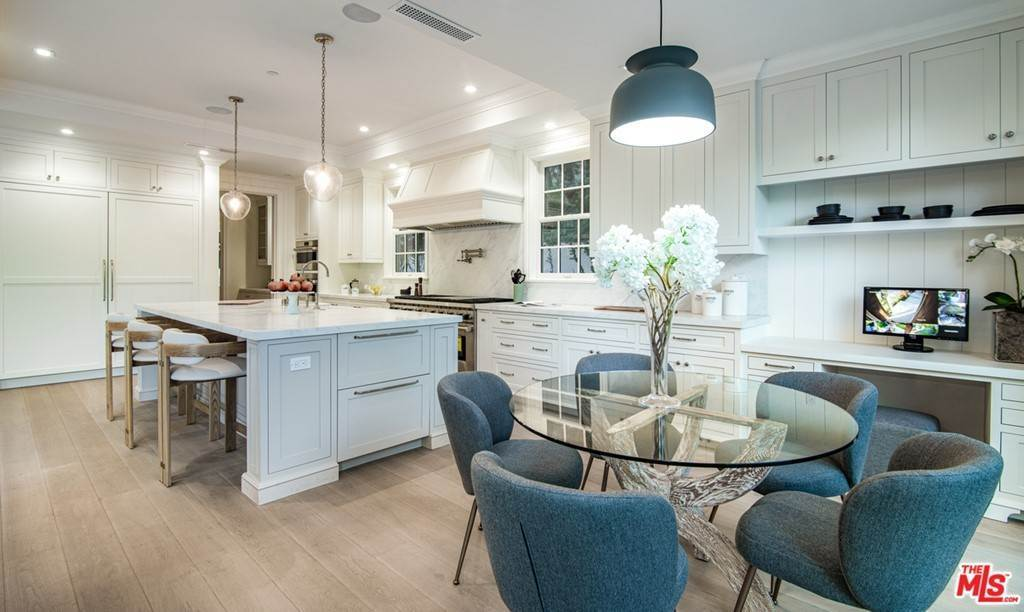 8. Residential for Sale at 25th Street Santa Monica, California 90402 United States