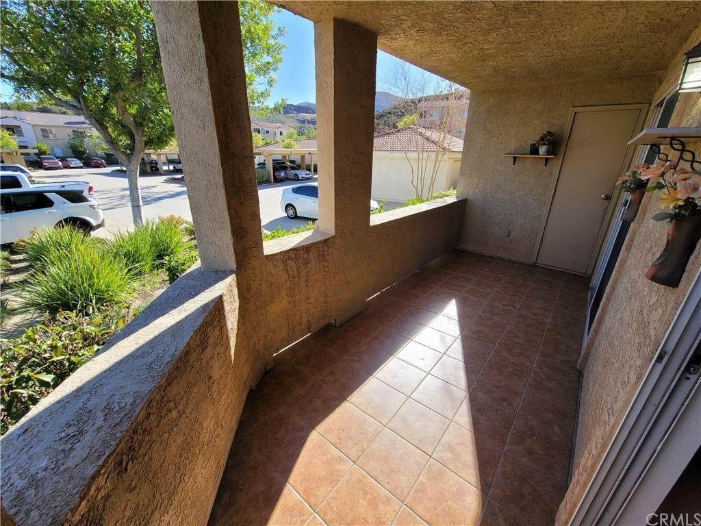 17. Residential for Sale at Del Mar Way Corona, California 92882 United States